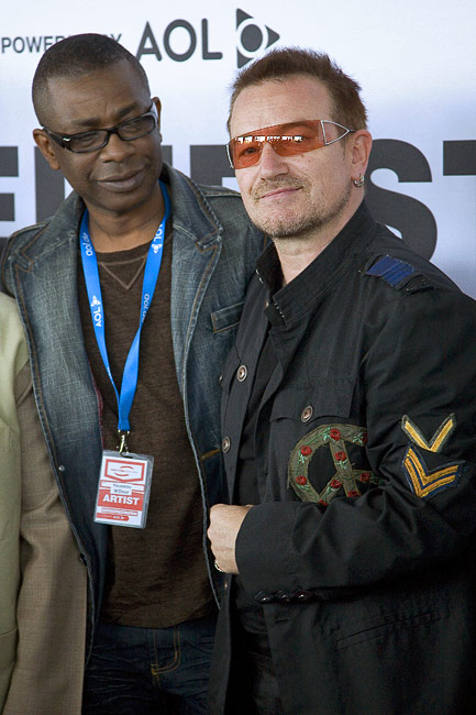Bono Vox and Youssou N'Dour at the P8 press conference